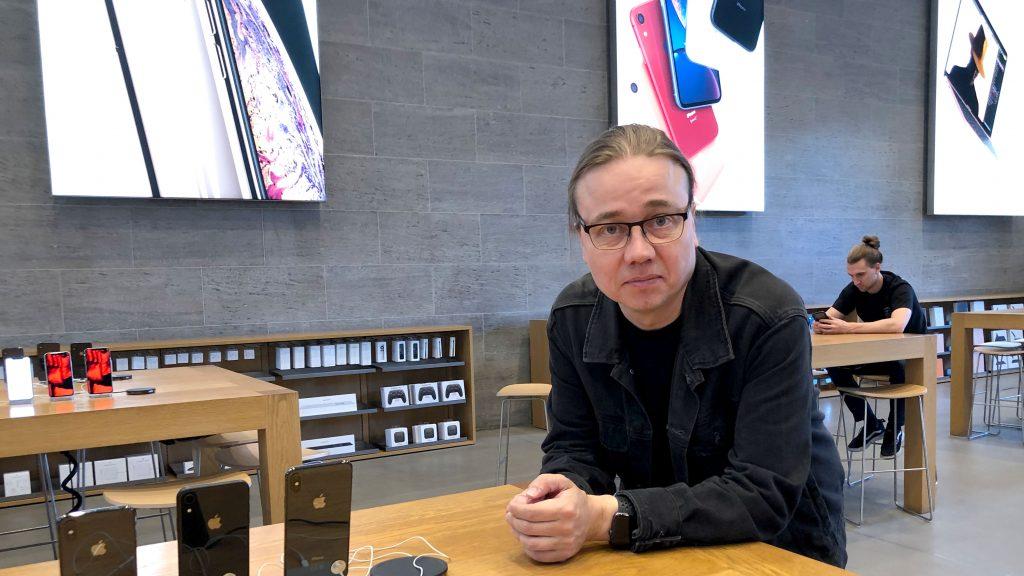 Hannu Berliinin Apple-kaupassa.