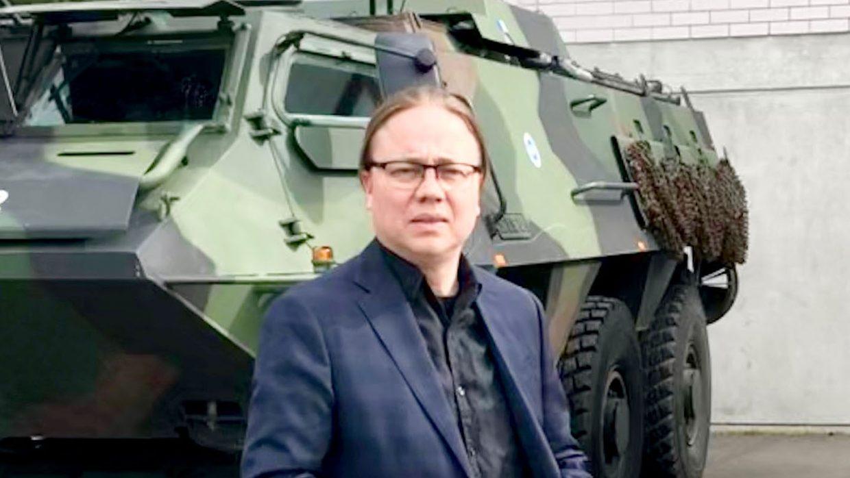 Hannu Vekaranjärvellä.